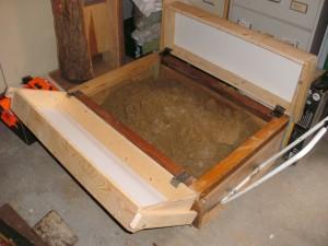 Unser rollender Sandkasten hat 2 Deckelkästen zur Erweiterung bekommen